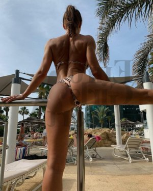 Marie-amélie call girl in Mandeville and happy ending massage