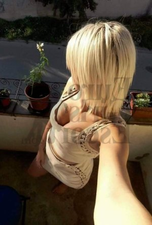 Armelle ebony call girls and erotic massage