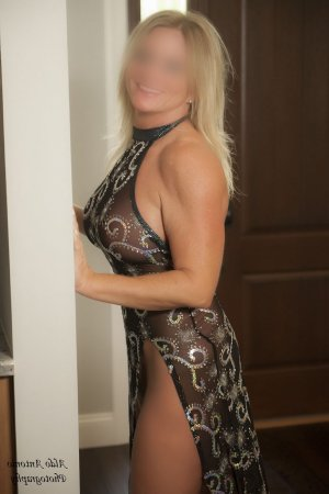 Marie-jennifer escort girl in Spokane and thai massage