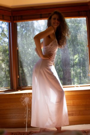 Birgul erotic massage in Perry & ebony call girl