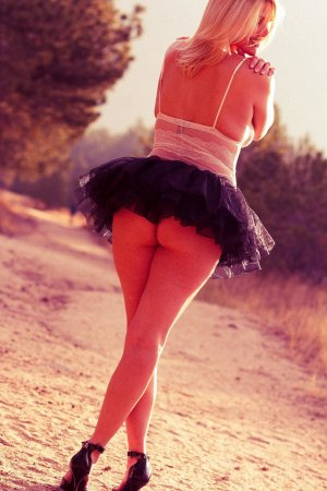 Mollie live escort in Porterville California & tantra massage